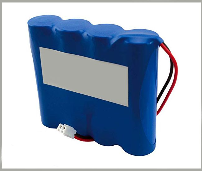 3.7v 10400 mAh 18650 Li-ion (with plastic mounting base)